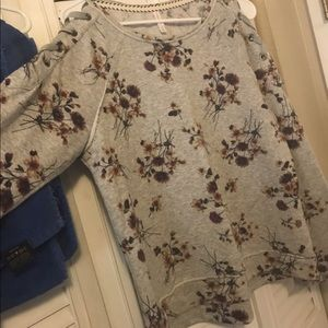 Cut out women's pullover- floral print